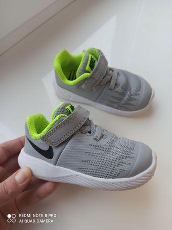 Кросівки Nike 21р