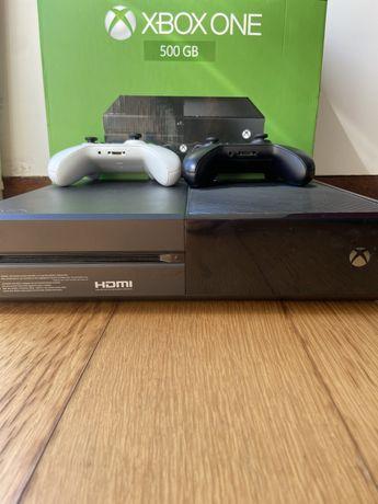 Xbox One 500gb + 2 comandos + 50 jogos