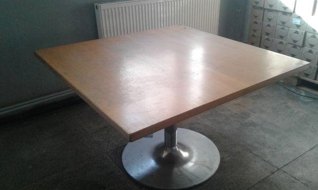 Solidny stół drewniany