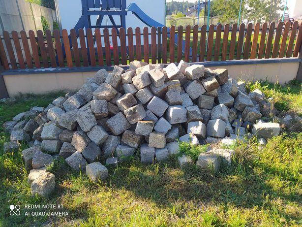 Kostka granitowa z rozbiórki duża