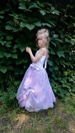 Красивое платье на девочку.