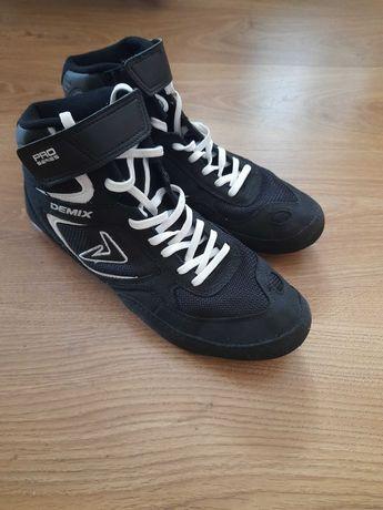 Споитивне взуття, борцовки
