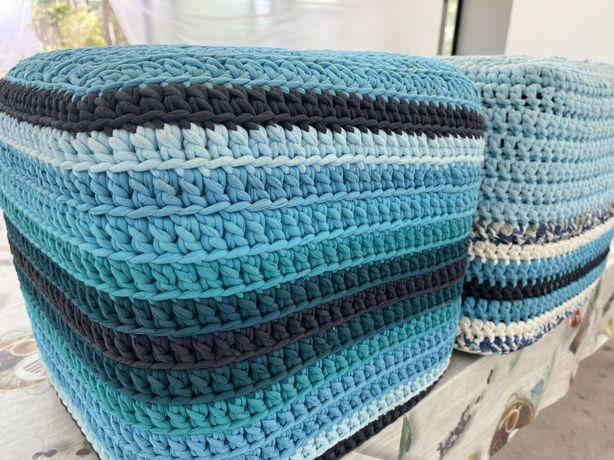 2 Puffs de cor azul