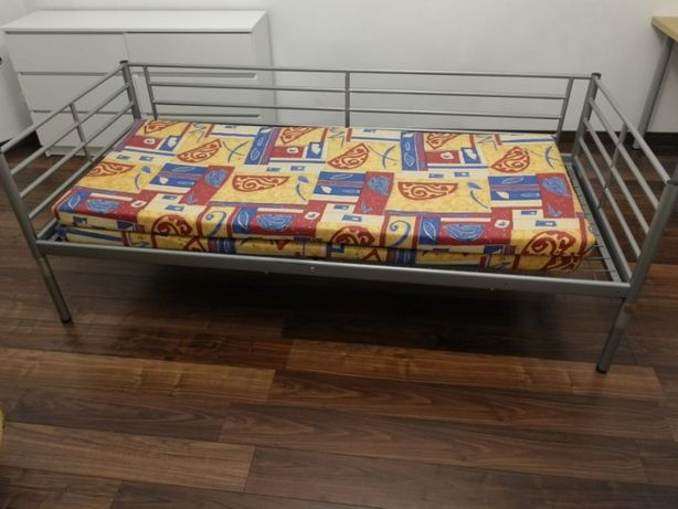 Łóżko metalowe pojedyncze + dwa materace - Katowice