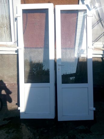 Пластікові двері