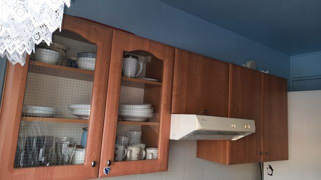 Meble kuchenne  z kwadratowym zlewozmywakiem