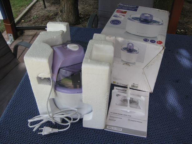 Domowe urządzenie do robienia lodów.