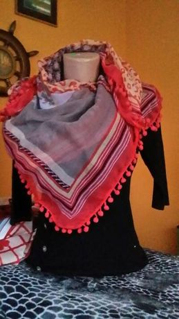Большой платок с бахрамой.Тонкий кашемир