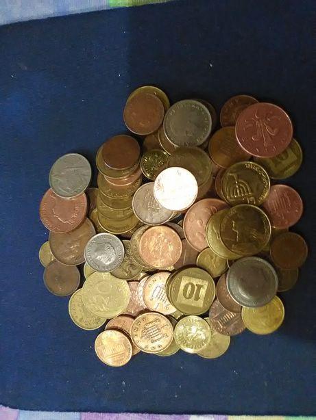 Лот монет різних країн світу. 100 штук.