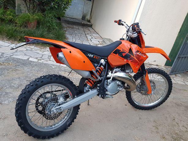 Moto de enduro KTM 125 EXC
