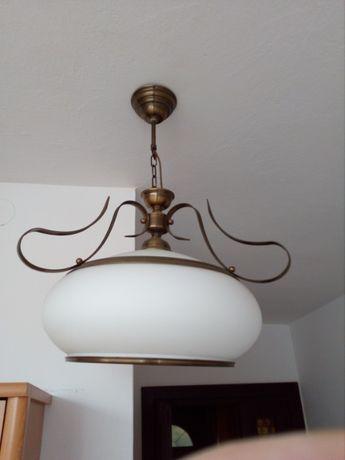 Lampa sufitowa biała