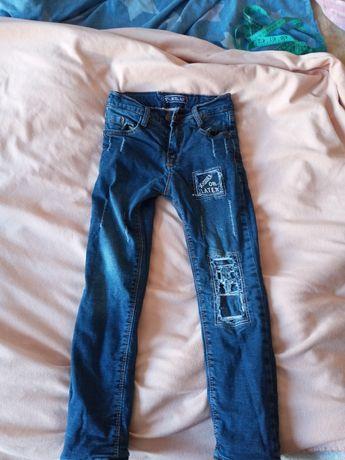 Продам зимние джинсы на мальчика.