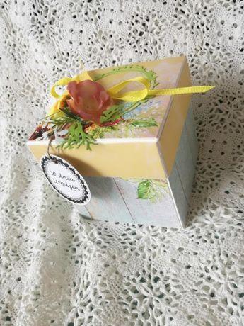 Pudełko exploding box urodzinowe ze słonecznikami