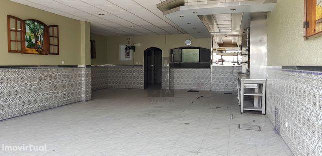Loja  Arrendamento em Oliveira de Azeméis, Santiago de Riba-Ul, Ul, Ma