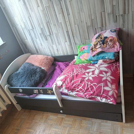 PILNIE  !!Sprzedam łóżeczko dla dziewczynki