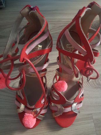 Sandałki rozmiar 36 nowe