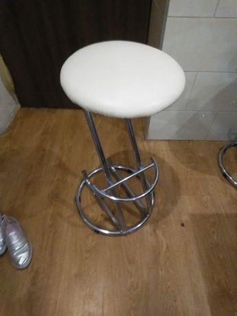 Hokery krzesla barowe
