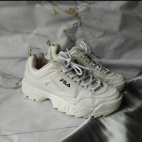 Фирменные кроссовки FILA спортивные комфортные в отличном состоянии