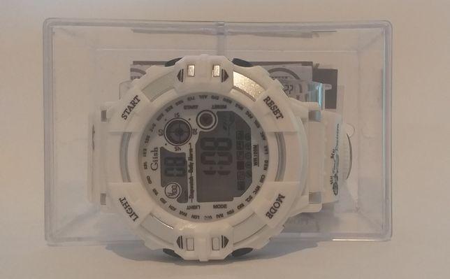 Часы наручные водонепроницаемые