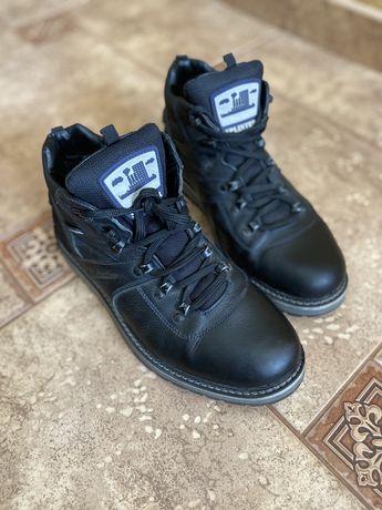 Ботинки,кроссовки зимние