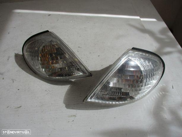 Farolim Pisca Nissan Almera Esquerdo Direito