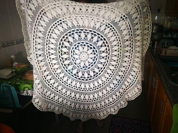 Toalha de mesa redonda em crochet