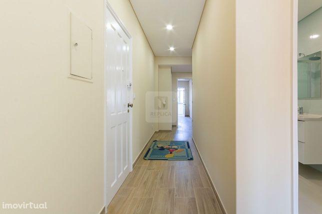 Apartamento T3 remodelado no centro de Santa Maria da Feira