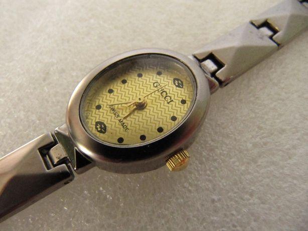 Часы GUCCI в коллекцию, 2009 года выпуска, женские, кварцевые, новые