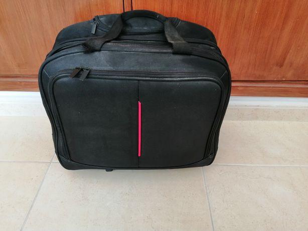 Mala de viagem e portátil