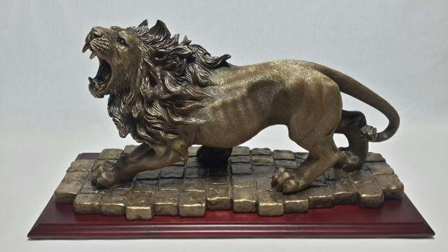Подарок мужчине коллекционный Скульптура лев
