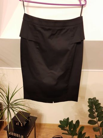 Spódnica ołówkowa z baskinką