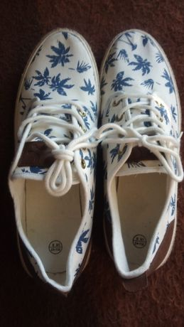 Sapatos /sem marca