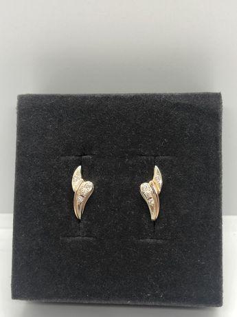 Золотые серьги с фианитами (600)