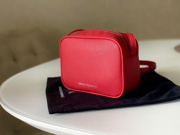 НОВАЯ Красная сумка Armani Exchange