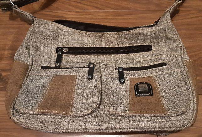 Śliczna skórzana torebka ok 20x30cm