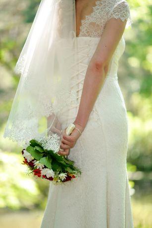 Весільна сукня не вінчана в гарному стані