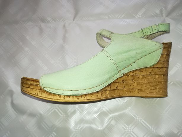 Buty sandały na koturnie