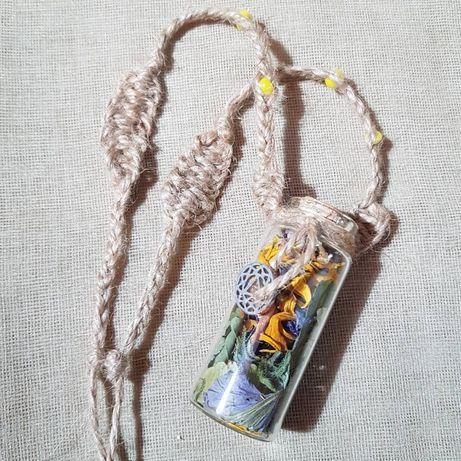 Buteleczka, amulet, makrama, suszone kwiaty, witchcraft, biżuteria