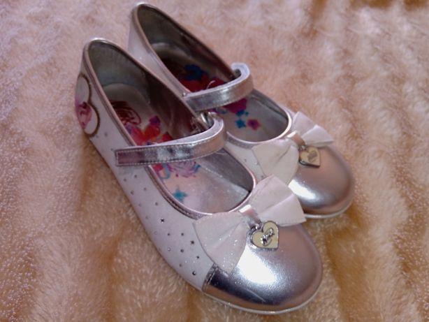Нарядные, красивые туфли, стразы, балетки Winx. Серебро.