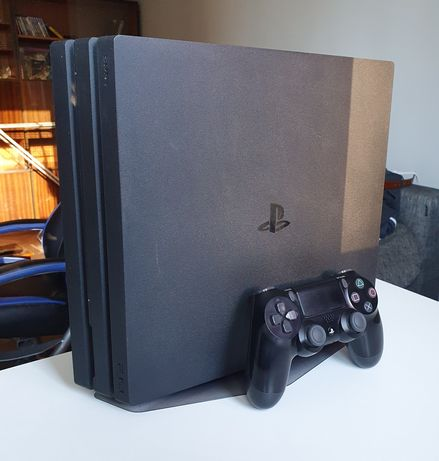 Play station 4 pro + gry