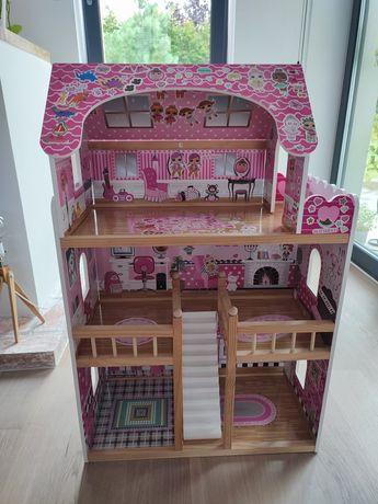 Różowy domek drewniany do zabawy