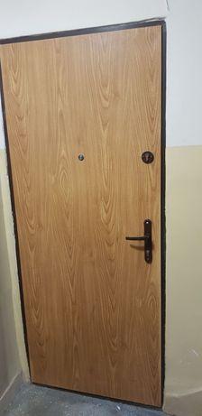 Antywłamaniowe drzwi wejściowe 80cm