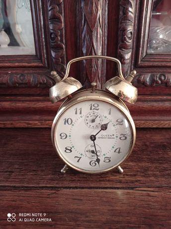 Zegarek budzik z mosiężnym mechanizmem