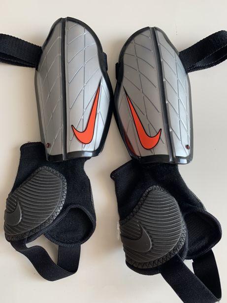 2+1 gratis nowe ochraniacze Nike 160-170