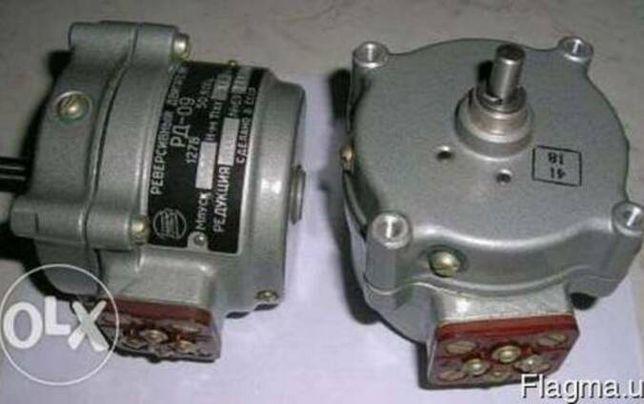 Реверсивні двигуни РД-09, синхронні СД-54, асинхронні Д-219
