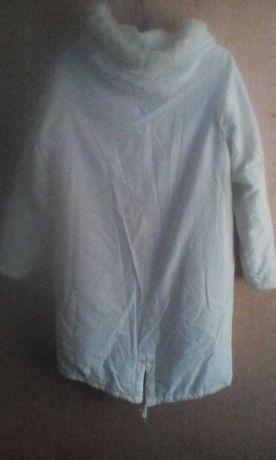 Парка куртка женская белая р 12-14 на синтепоне,превосходное качество.