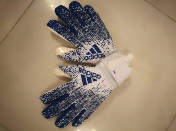 Rękawice Predator PRO to profesjonalne rękawice adidas w rozm 11