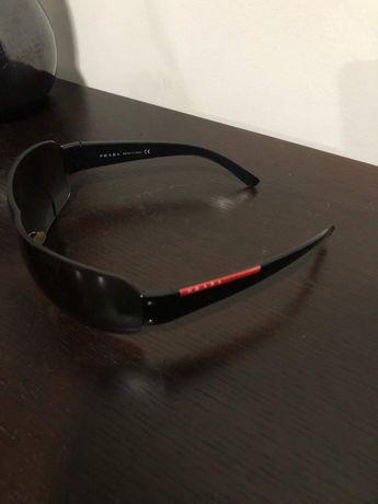 Óculos de sol marca Prada