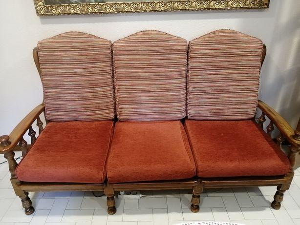 Terno de sofás estilo clássico
