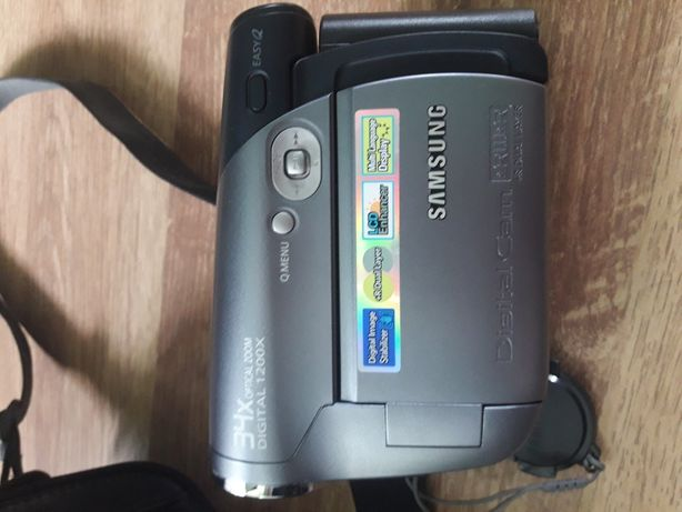 Видеокамера с сумкой